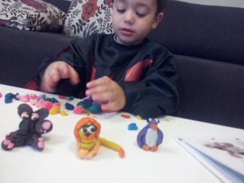 יצירה פלסטלינה עם ילדים
